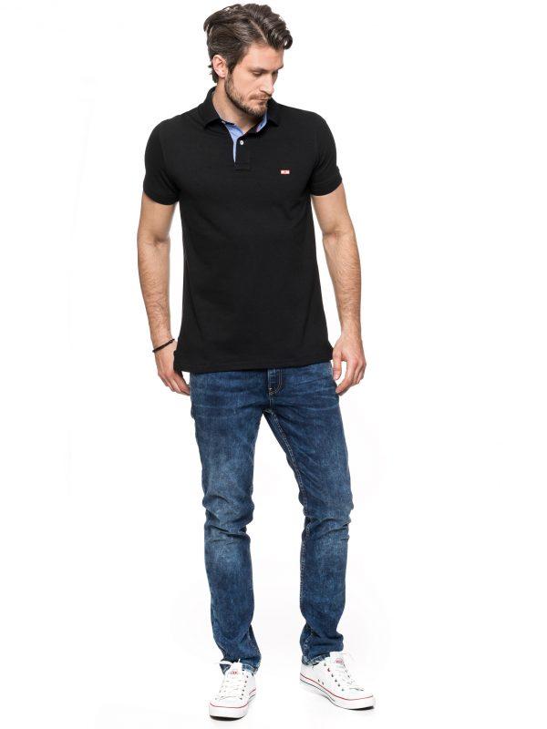 KOSZULKA POLO – czarna z wykończeniem jeansowym